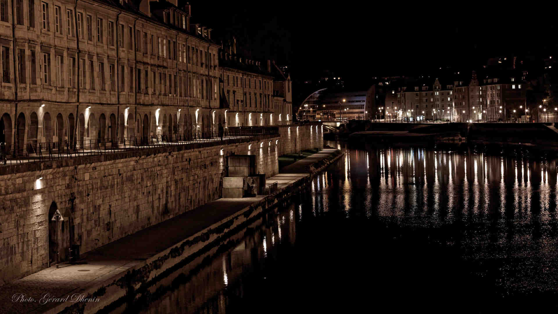 Photo Besancon de nuit